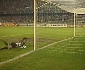 Alex scored some great goals while in Brazil and at Fenerbahce. DUGOUT