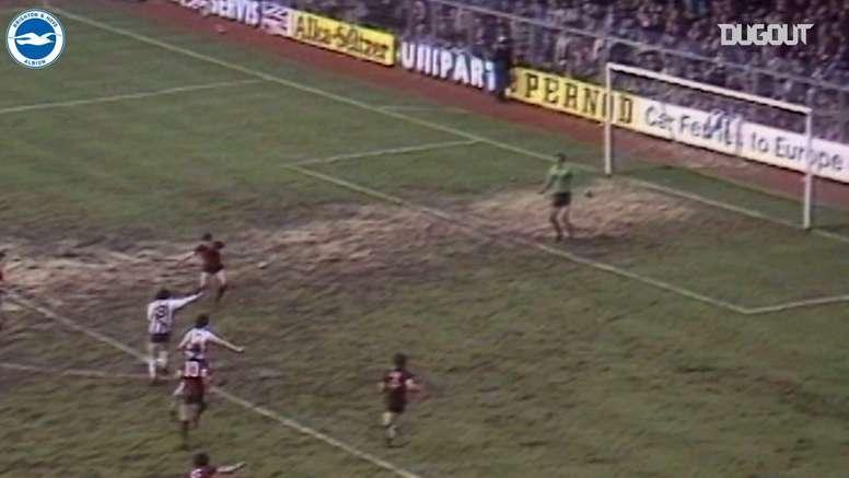 Un partido histórico en el fútbol inglés. DUGOUT