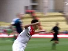Il suo primo gol con il Monaco. Dugout