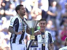 Como en el resto de clubes, Dani Alves ganó títulos en la Juventus. DUGOUT