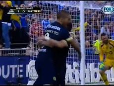 Benedetto anotó un gol histórico. DUGOUT