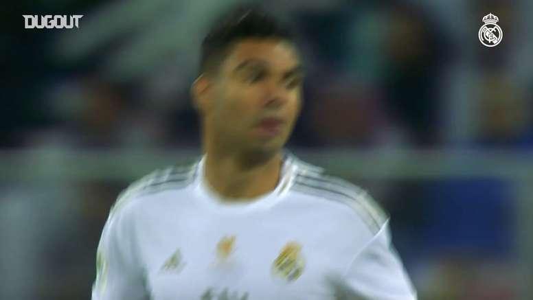 Le Real Madrid remporte la Super Coupe d'Espagne à Djeddah. dugout