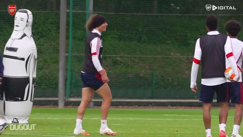 Parte dell'allenamento dell'Arsenal. Dugout