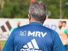 novo técnico comanda treino do Flamengo para estreia no Brasileirão. DUGOUT