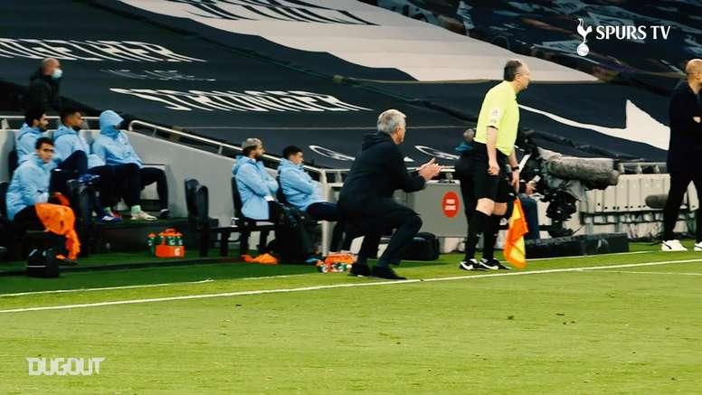 La reazione di Mourinho. Dugout