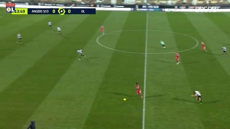 La bonne performance de Thiago Mendes contre Angers. dugout