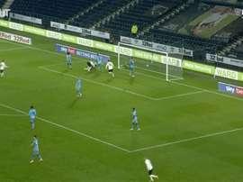 VIDÉO: Le premier but de Kazim-Richards avec Derby County. Dugout