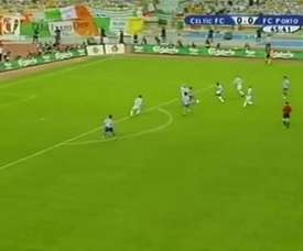 Porto remporte la Coupe UEFA en 2003. DUGOUT