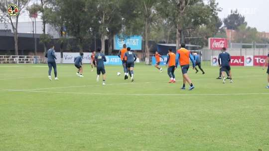 América's training game with three-sided goals. DUGOUT