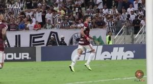 Le but splendide de Giorgian De Arrascaeta contre Ceará. dugout