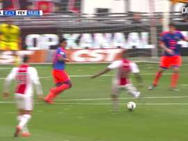 Les meilleurs buts de l'Ajax Amsterdam contre Feyenoord. dugout