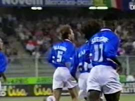 Le meilleur de Seedorf à la Sampdoria. DUGOUT