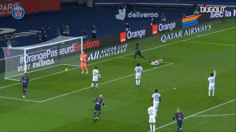 Il PSG pareggia contro il Bordeaux. Dugout
