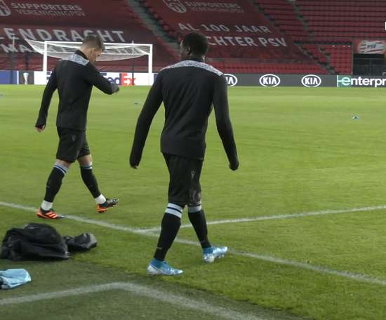 PAOK train at Philips Stadium ahead of Europa League clash. DUGOUT