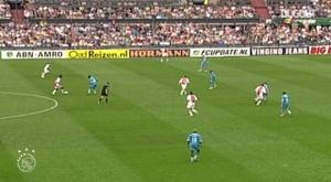 VIDÉO: Le but de la victoire d'Huntelaar contre le PSV Eindhoven en 2006. Dugout