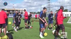 Paris Saint-Germain realiza treinos específicos com bola. DUGOUT