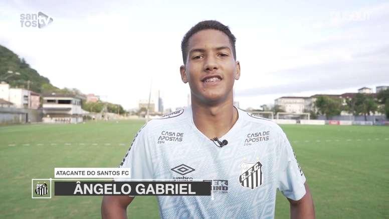 Ângelo, atacante de 15 anos integrado ao time principal do Santos. DUGOUT
