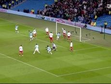 Hat-trick de Tevez pelo City contra o Blackburn. DUGOUT