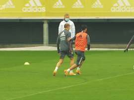Goals and saves during a rainy training session. DUGOUT