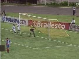 Os melhores gols de falta da história do Santos. DUGOUT