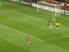 Le superbe lob d'Ibrahimovic contre Arsenal. DUGOUT