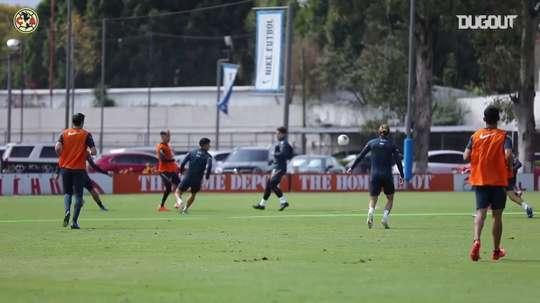 Club América's training game. DUGOUT