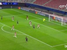 VIDÉO: La superbe passe décisive de Sterling contre l'Olympiakos. Dugout