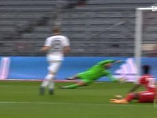 Lewandowski le endosó tres goles al Eintracht. DUGOUT