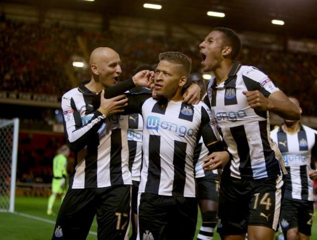 El Newcastle aprovecha el tropiezo del Brighton y se distancia en lo más alto. AFP
