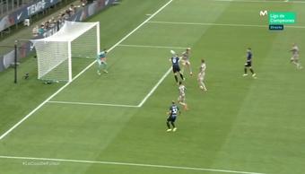Dzeko se estrenó con el Inter en partido oficial. Captura/MovistarLigadeCampeones