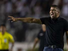 Diego Milito elige al sustituto de Coudet. AFP
