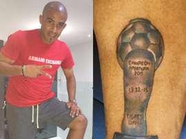 Egidio Arévalo Ríos posa con su flamante tatuaje de campeón del Apertura mexicano. Twitter