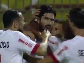 El delantero uruguayo anotó el tanto del empate de su equipo ante Volta Redonda. Twitter