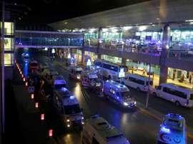 El aeropuerto de Estambul sufrió un doble atentado. EFE