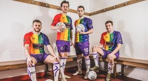 Altrincham FC: camiseta arcoiris contra la homofobia. AltrinchamFC