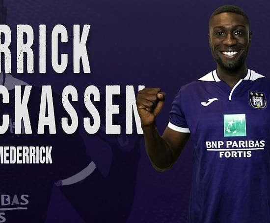 Luckassen made just four appearances for Hertha Berlin. Twitter/RSCAnderlecht
