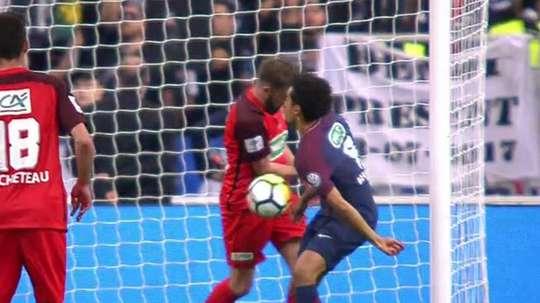 l'arbitre annule le but de Mbappé. Twitter/Chirichampions