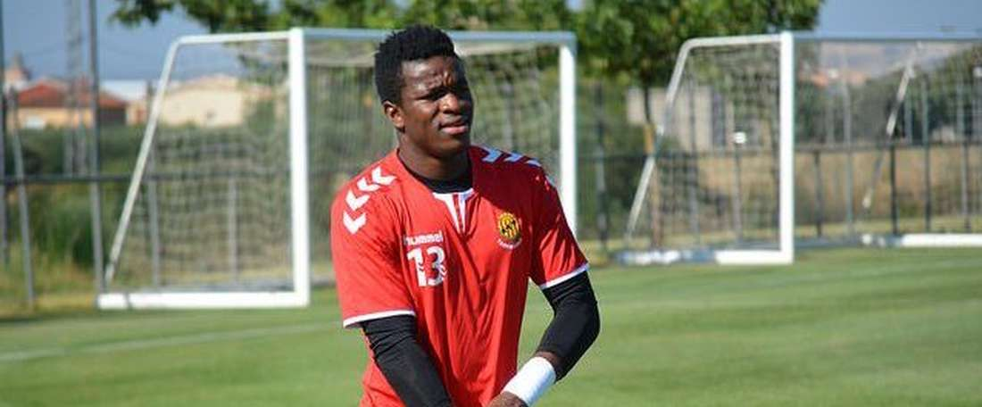 O goleiro cameronês Fabrice Ondoa tem sido convocado para a Copa África. GimnasticDeTarragona