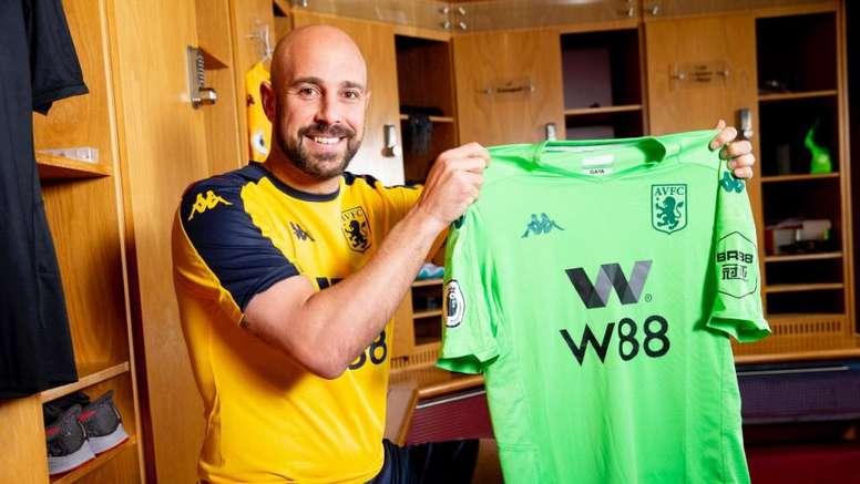 El Aston Villa anunció a Reina. AstonVilla
