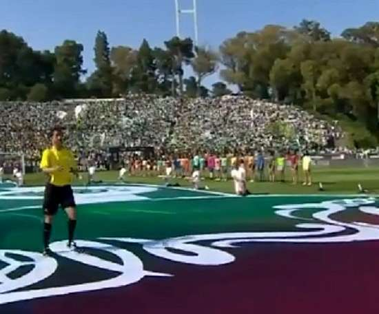 El árbitro de la final de la Copa de Portugal cogió el balón del aire. Captura