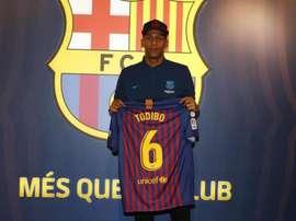 Todibo sera présenté vendredi. FCBarcelone