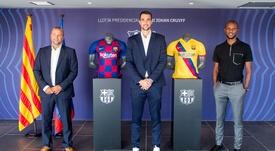 Carevic renueva hasta 2023. Twitter/FCBarcelonaB