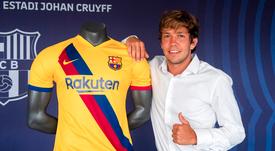 El Barça renovó a Rosanas hasta 2023. Twitter/FCBarcelonaB