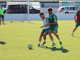 El Betis ha realizado el entrenamiento con algunas ausencias. RealBetis