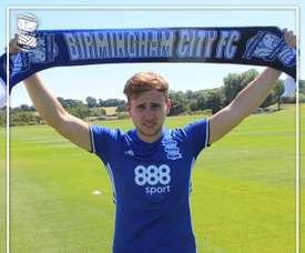 El Birmingham City presenta a su nuevo delantero Greg Stewart. BirminghamCityFC