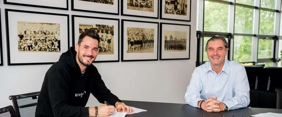 Bürki rinnova con il Borussia. Twitter/BVB