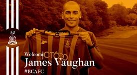 El Bradford hizo oficial la incorporación de James Vaughan. Twitter/officialbantams