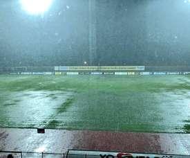 El campo de Leones, inundado por las lluvias. Twitter/leonesfutbolc
