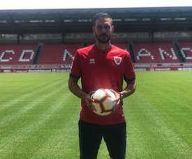 Atienza ya es nuevo jugador del Numancia. Twitter/PichuAtienza