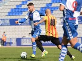 El centrocampista Antonio Martín, Ñito, ya es nuevo jugador del Prat. AEPrat